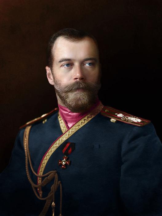В мундире лейб-гвардии 4-ого стрелкового Императорской Фамилии полка.