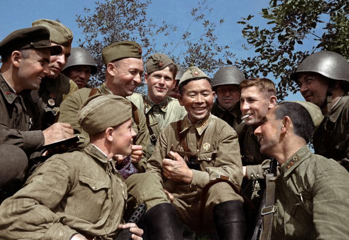 Во время Великой Отечественной войны уничтожил 360 немецких солдат и офицеров, в том числе одного генерал-майора.
