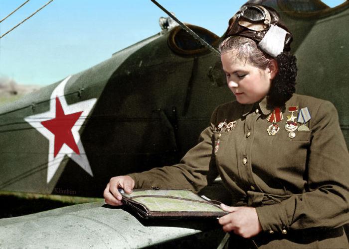 Штурман эскадрильи 46-го гвардейского женского полка ночных бомбардировщиков.