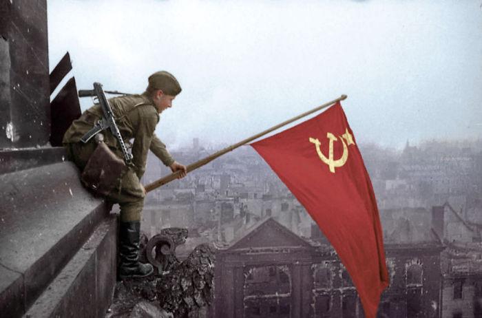 Знамя победы над Берлином.