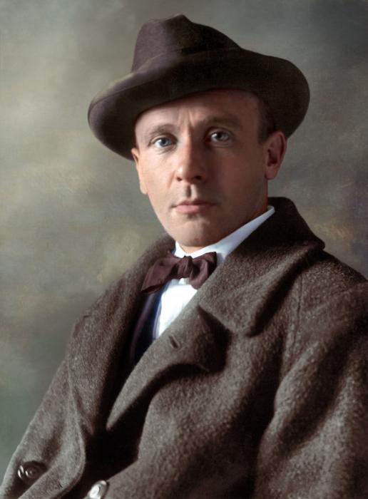 Русский писатель, драматург, актёр и театральный режиссёр.