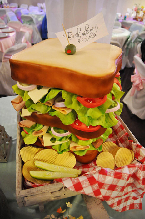 «Сэндвич-торт» для любителей фаст-фудов.