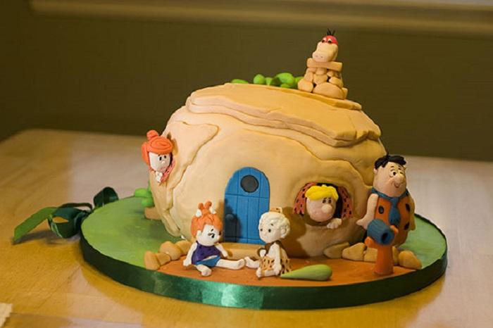 Торт, по мотивам мультфильма «Семейка Флинстоун».