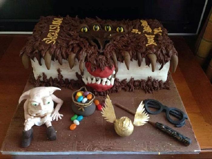 Торт, чтобы порадовать маленьких поклонников волшебной саги и устроить праздник в стиле Гарри Поттера.