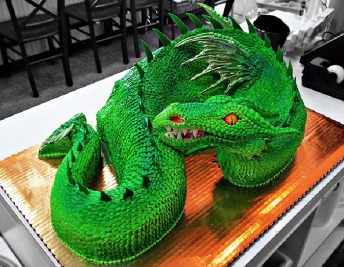 Торт в виде «Морского дракона».