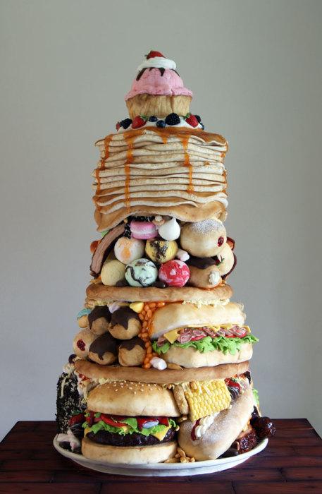 Фантастически огромный торт.