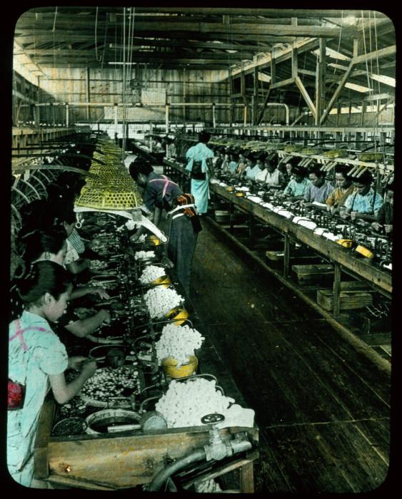Шелк – главный экспортируемый товар Японии.