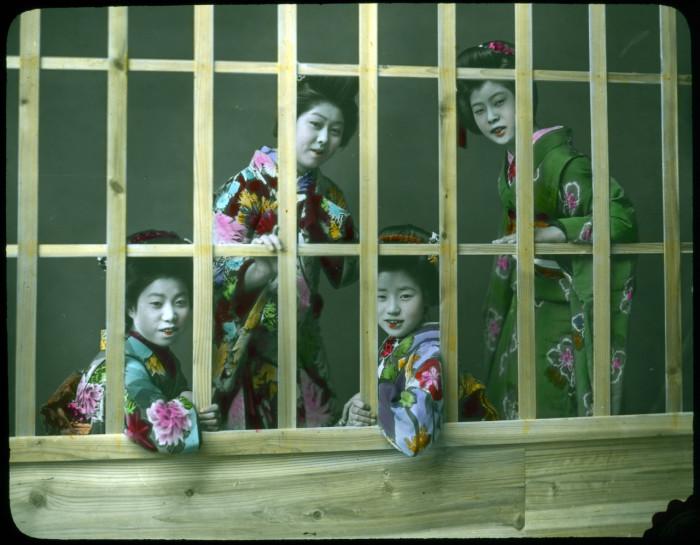 Профессия проститутки в Японии не считалась позорной, а наоборот ценилась, как и любые другие профессии.