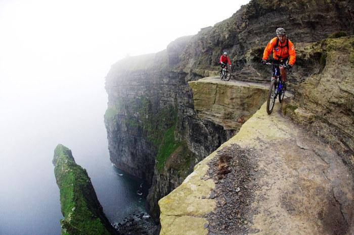 Один из самых примечательных ирландских береговых ориентиров, привлекающий множество туристов.