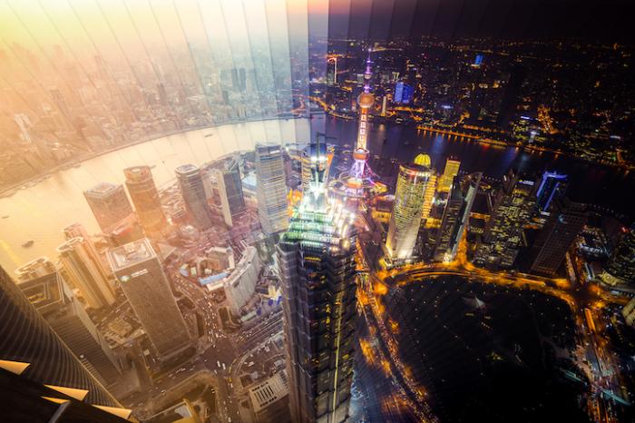 Шанхай: коллаж из 65 фотографий, снятых каждый 1 час 53 минуты.