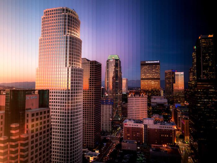 Лос-Анджелес: коллаж из 55 фотографий, снятых каждый 1 час 10 минут.