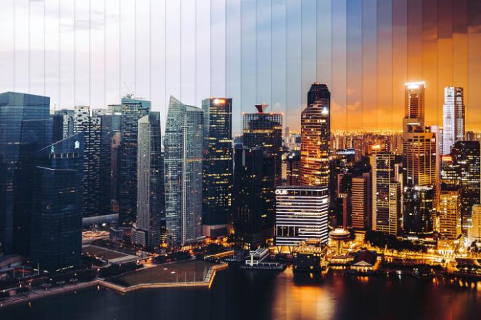 Сингапур: коллаж из 32 фотографий, снятых каждый 1 час 15 минут.