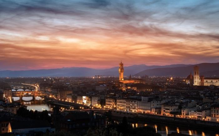Красота ночной Флоренции. Фотограф - Гуерель Шахин.