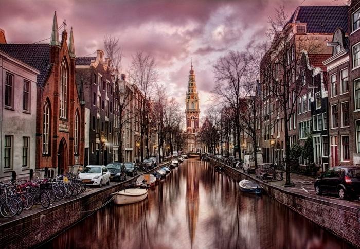 Отражение Амстердама. Фотограф - Мигель Анхель Мартин Кампос.