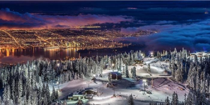 Панорама ночного города. Фотограф - Пьер Леклерк.
