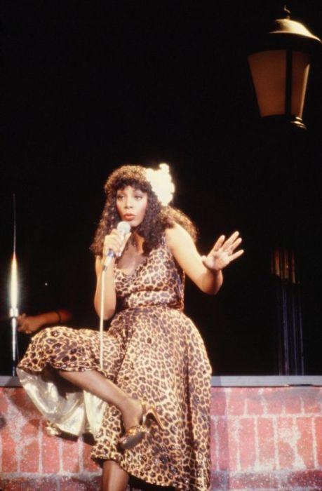 Донна Саммер была одной из тех звезд, которые успешно использовали леопардовый принт для сценического костюма.