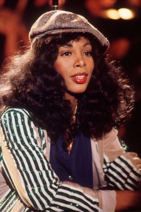 За всю карьеру американской певицы было продано более 130 миллионов записей.