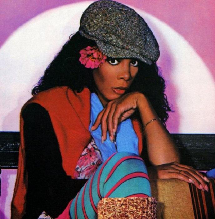 Донна Саммер на обложке сингла «Cold love» (Холодная любовь), за который певица получила премию «Гремми».