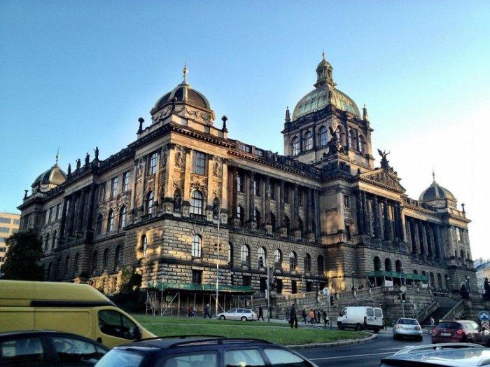 Крупнейший государственный музейный комплекс Чехии, построенный в стиле неоренессанса, был основан в 1818 году.