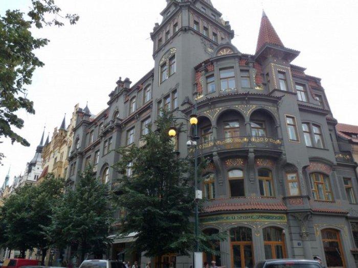 Улицы Еврейского квартала ничем не отличаются от остальных, кроме истории.