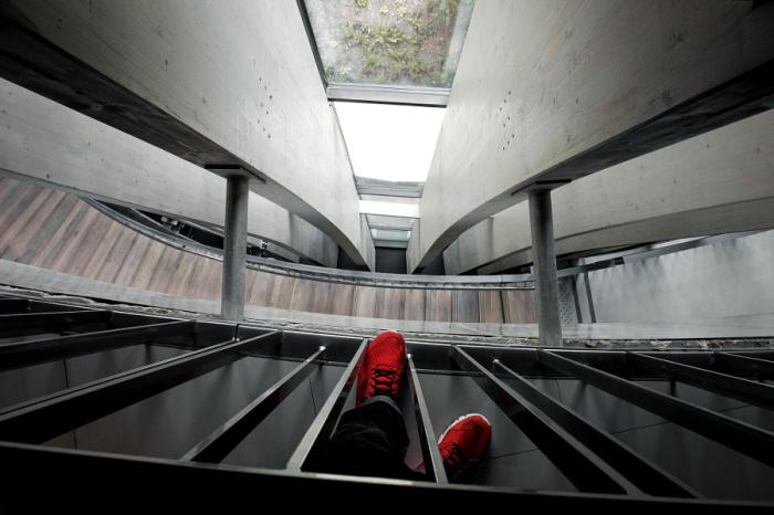 Взгляд сверху вниз. Автор фотографии: Матье Кирико (Mathieu CHIRICO ).