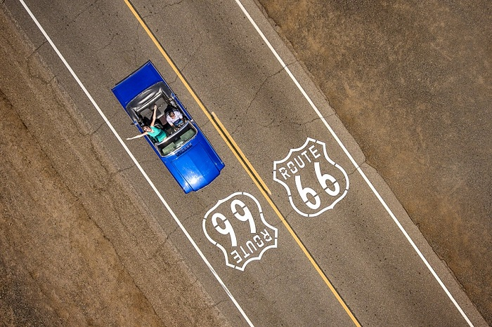 Путешествие по трассе 66, которая насчитывает 3 940 километров от Чикаго до Лос-Анджелеса. Автор фотографии: Raf Willems.