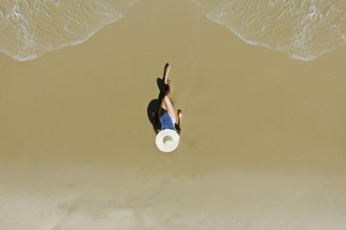 Под лучами знойного солнца на золотом песке. Автор фотографии: marihenud.