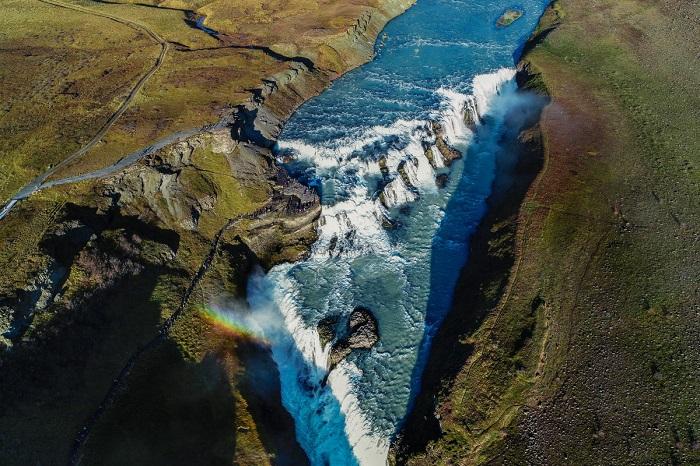 Золотой водопад в холодной долине Хёйкадалюр, на юге Исландии. Автор фотографии: Vaidas.