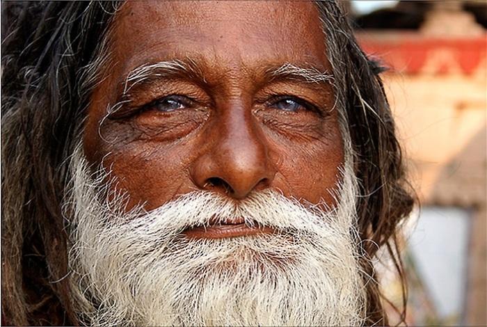 Добрый, приветливый и очень известный пожилой гуру.