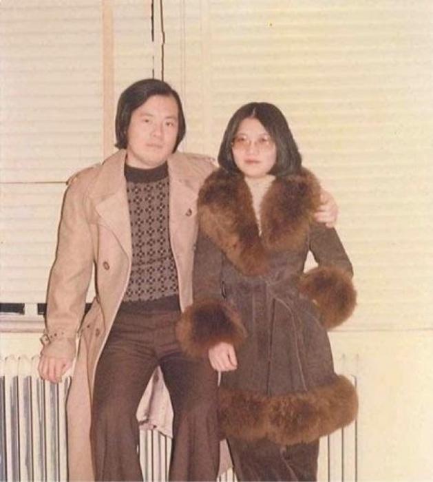 Друг отца прислал фотографии, где мои родители засняты в 70-х годах.