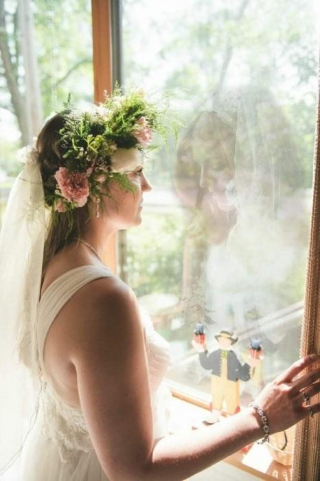 Фотограф с помощью программы соединил снимок мамы, которая умерла и дочери в день ее свадьбы.