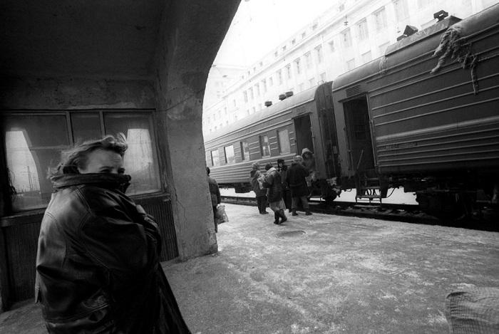 Поезд, следующий через вокзал Новосибирск-Главный.