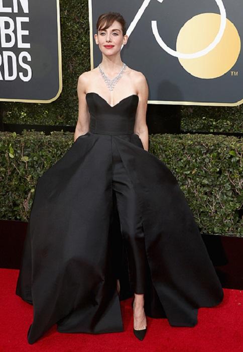 Изящная Элисон в восхитительном платье от Zoulias. /Фото: google.com.ua