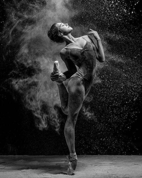 Образ балерины в движении.