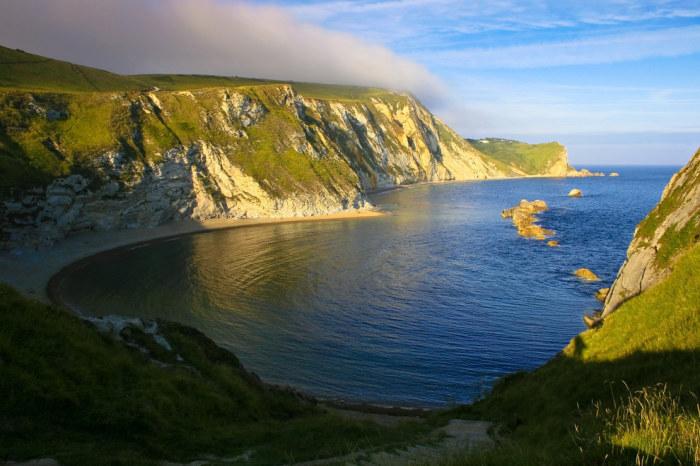 Побережье на юге Англии представляет собой 155 км обрывистой береговой линии.