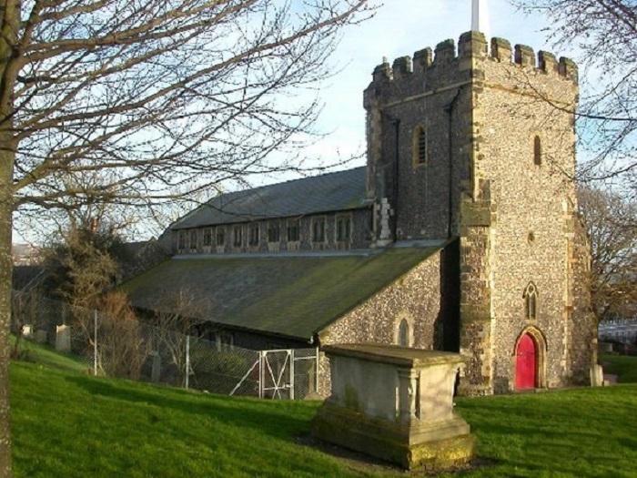 Старинная церковь в Брайтоне, Великобритания, самое старое здание в городе.
