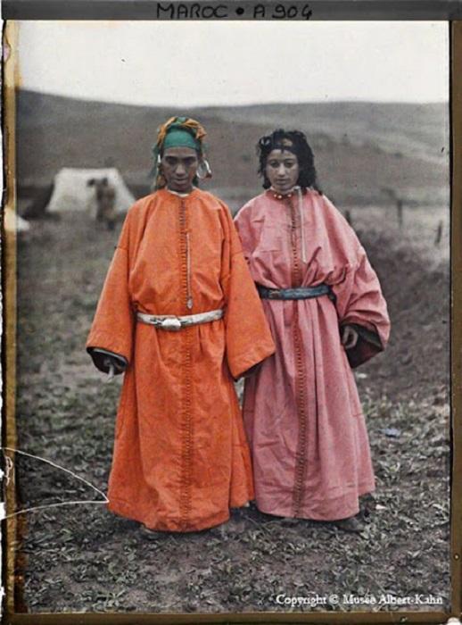 Национальная одежда марокканцев, фотограф Альберт Кан, 1910 год.