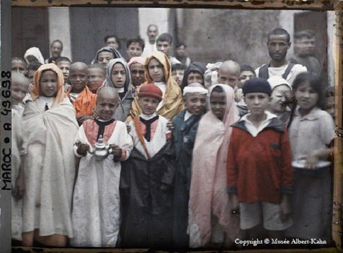Фотография из коллекции Альберта Кана, 1910 год.