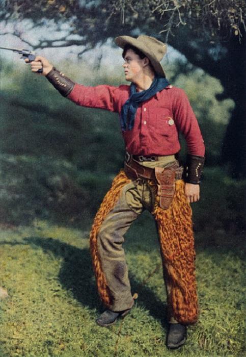 Парень в ковбойской одежде, Калифорния, 1920 год.