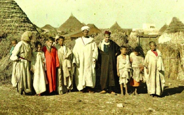 Марокканские фермеры позируют для фотографа,  1912 год.