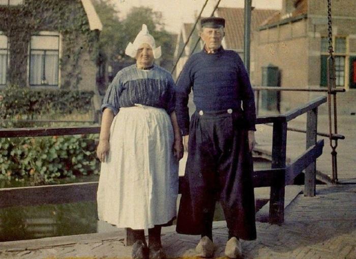 Жители рыбацкой деревушки, фотограф Стефан Passet, 1910 год.