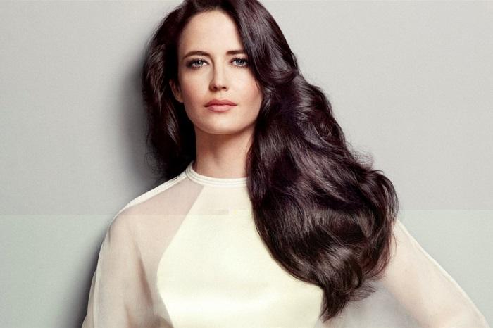 Французская актриса обладает запоминающейся нетипичной внешностью, благодаря которой ей удалось добиться признания как в модельном бизнесе, так и в киноиндустрии. /Фото: star-magazine.ru