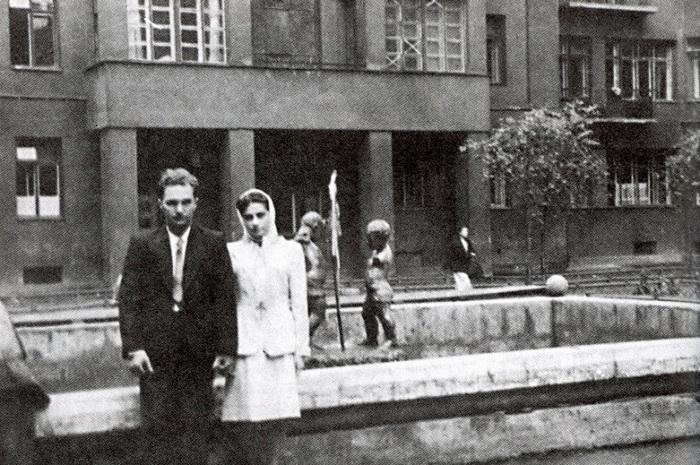 Все фонтаны после войны были демонтированы.