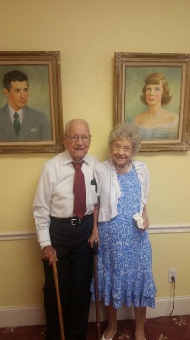 «Мои любимые бабушка и дедушка на праздновании 77-й годовщины брака».