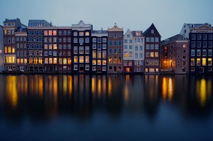 Прекрасный древний город, созданный на воде и уникален практически всем: своей архитектурой, своими нравами и законами.