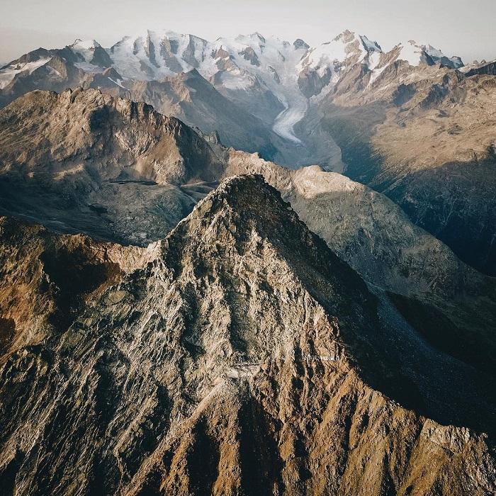 Место съемок: гора Пиц Лангуард (Швейцария).