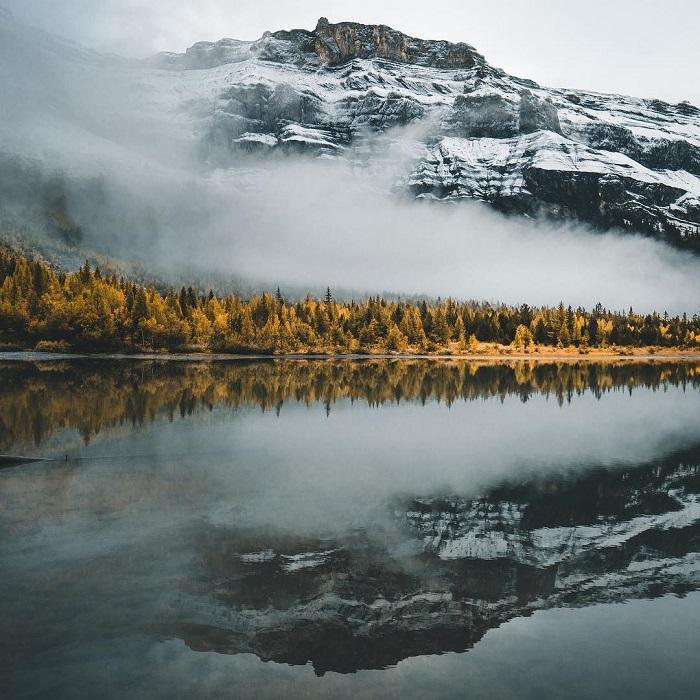 Место съемок: озеро Дерборенс (Швейцария).