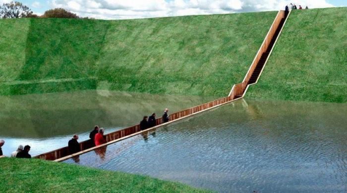 Мост Моисея был построен в Нидерландах, в провинции Северный Брабант, для того, чтобы дать возможность туристам перейти водохранилище, оставшись сухими, и попасть на другой берег, где еще в XVII веке расположились укрепления.