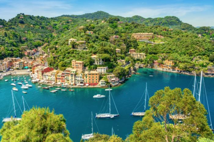Небольшой рыбацкий город, находящийся в провинции Генуя.