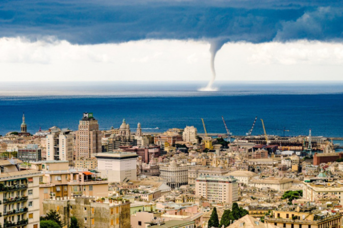 Приближающийся шторм. Фотограф Евгений Дроков.